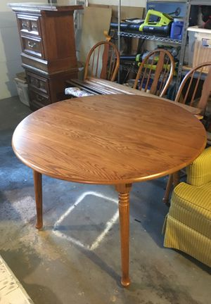 Oak kitchen table and 4 chairs for Sale in Glenshaw, PA