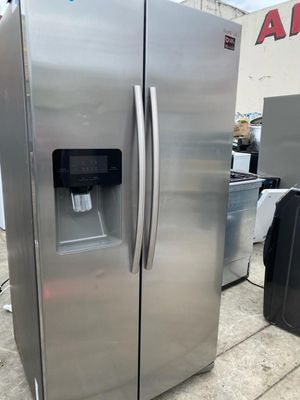 SAMSUNG SIDE BY SIDE REFRIGERATOR STAINLESS STEEL for Sale in Oceanside, CA