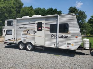 2004 Prowler 24,FT Bunkhouse pack and play Sleep 7 for Sale in Charlotte, NC