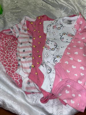 0-3m Gerber Onesies for Sale in Chicago, IL
