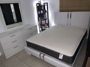 New white queen 4 pieces bedroom set FREE DELIVERY AND INSTALLATION. Bed frame, mattress, dresser and mirror 530$ for Sale in Hollywood, FL