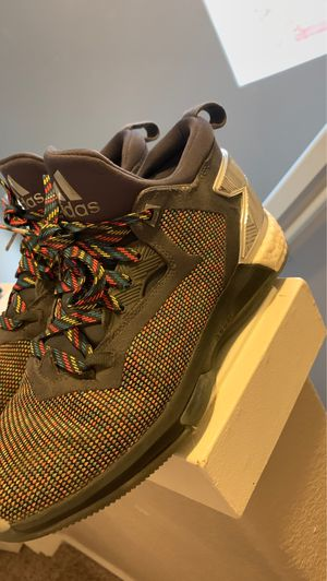 Damian lillard shoes for Sale in Beaverton, OR