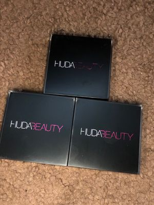 HUDA BEAUTY CONTOUR CREAM 15 each for Sale in Los Angeles, CA