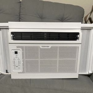 Toshiba Ac Window Unit for Sale in Rosharon, TX