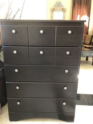5 drawers dresser dark brown for Sale in Carlsbad, CA