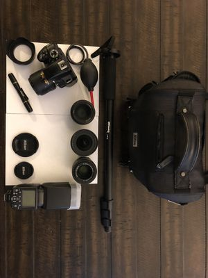 Nikon D3300 DSLR Camera plus 4 nice lenses, carrying case, monopod, charger, and memory card for Sale in Vancouver, WA