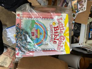 Little girls bible story and rosary for Sale in Des Moines, WA