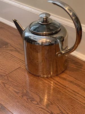 Caphalon stainless steel tea kettle (2 qt) for Sale in NO POTOMAC, MD