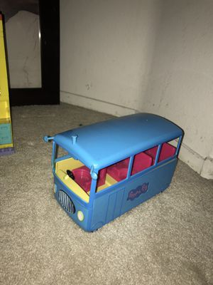 Peppa pig building house, bus , school,camper and Peppa Pig house with all her friends for Sale for sale  North Las Vegas, NV