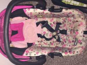 Minnie Mouse car seat for Sale in Oshkosh, WI