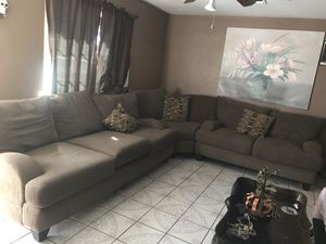 Brown sectional couch for Sale in Phoenix, AZ