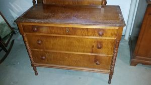 Antique Jenny Lind tiger maple bedroom set for Sale in Frederick, MD