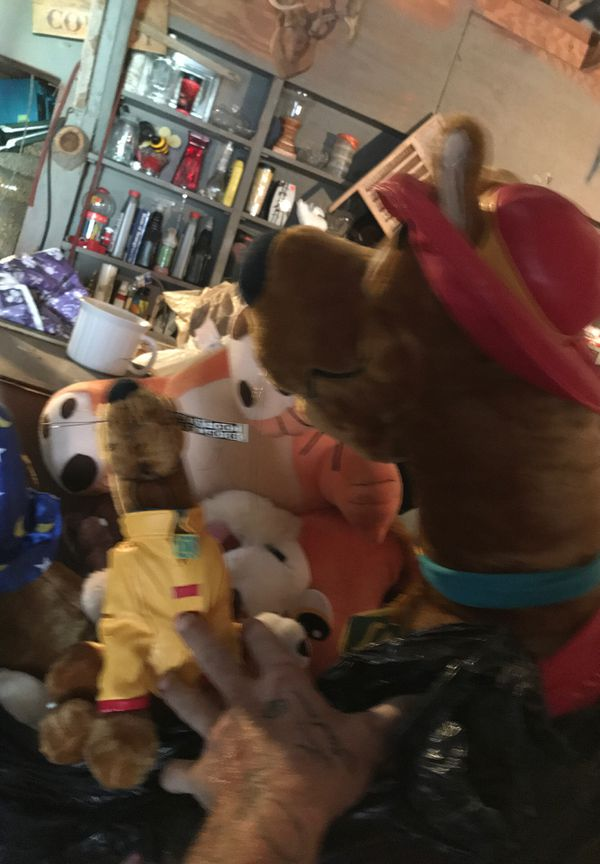 Stuffed animals Scooby Doo cartoon network etc.