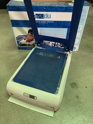 Yudu Personal Screen Printer In Box T-shirt Screen Printer 62-5000 for Sale in Signal Hill, CA
