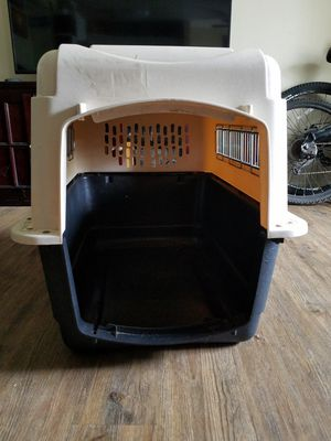 Petmate Large Kennel for Sale in Huntington Beach, CA