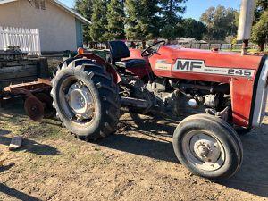Massey Ferguson 245 tractor for Sale in Clovis, CA
