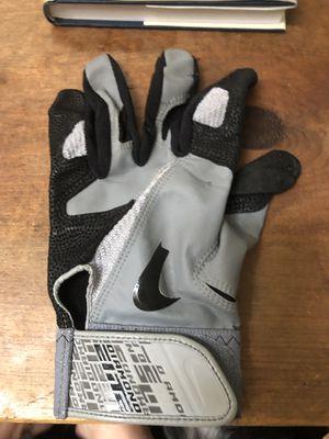 Men's large diamond elite left hand baseball batting glove for Sale in Lakewood, WA