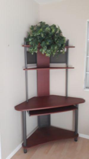 Corner desk for Sale in Tujunga, CA