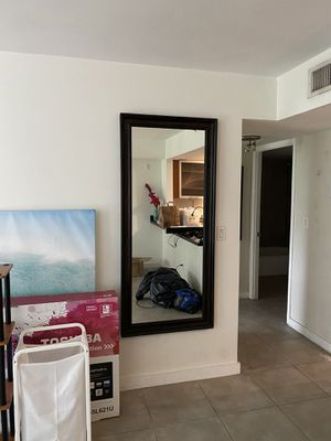 Large Mirror. Like new for Sale in Miami, FL