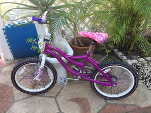 """Bike, two wks used,18"""", """"MISTY"""" like new only $20 Hurry at this price it won't last!! -we located in Miami Beach off 94 street Collins Ave for Sale in Bay Harbor Islands, FL"""