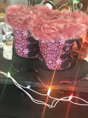 Girls size 9 immaculate snow boots! New gift! for Sale in Orrville, OH