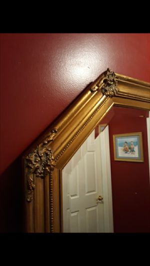 Large 1989 Windsor Art Octagonal Ornate Gold Framed Beveled Mirror - or trade for new Air conditioner for Sale in Newfield, NJ