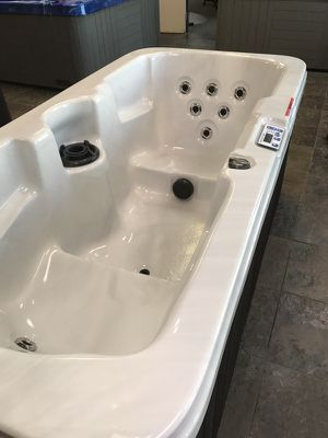 2 person spa. Hot tub. for Sale in Ripon, CA