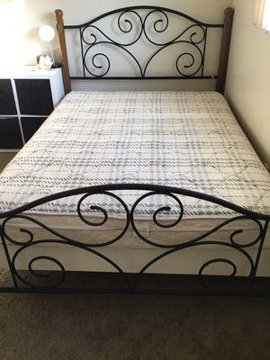 Queen Bed for Sale in Los Altos, CA