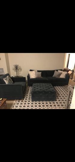 Living room set (hunter green) for Sale in WILOUGHBY HLS,  OH