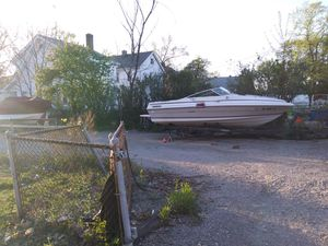 Boat 1984 searay 19' cuddy cabin 4cl mercruiser for Sale in Cleveland, OH