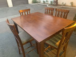 VERY NICE DINING TABLE WITH ONLY 5 CHAIRS for Sale in Fresno, CA