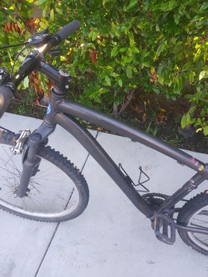 Specialzed road bike for Sale in Huntington Beach, CA