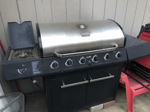 Free still works just needs a little TLC. for Sale in Rancho Cordova, CA