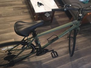 Retrospect 7 Speed Hybrid Bike w Kevlar Tires & Bottle Cage for Sale in Lafayette, LA