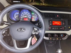 Kia Rio lx hatchback for Sale in OH, US
