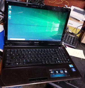 Laptop asus windows 10 trabaja bien for Sale in Santa Ana, CA