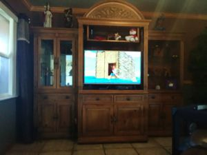 Entertaining center for Sale in Frostproof, FL