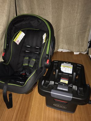 Graco Snugride Snuglock 35 Infant Car Seat and Base in Emory for Sale in Los Angeles, CA