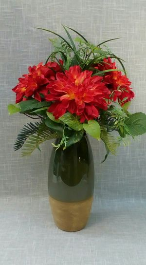 "Artificial Flowers in Ceramic Vase 22""x14"" *PICKUP ONLY* home decor, household, flowers for Sale in Mesa, AZ"