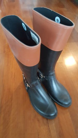London Fog women rain boots $15 size 9 for Sale in Everett, WA