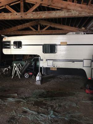 Truck camper for Sale in Castle Rock, WA