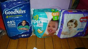 Babys and toddler diapers for Sale in Chicago, IL