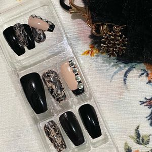Samia's Collection Black & Cherry Blossom Shiny nails with Jewel design for Sale in The Bronx, NY