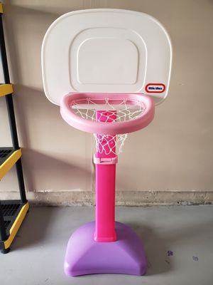 Little Tikes Basketball Court for Sale in Clarksburg, MD