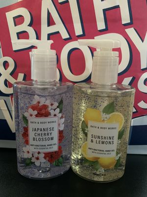 Bath and Body Works 2 Large Bottles 🖐 for Sale in Los Angeles, CA