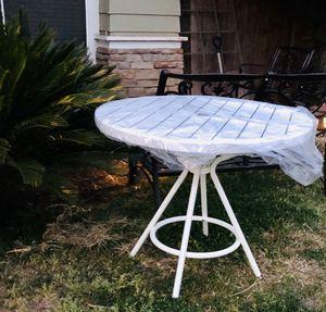 ⭐️New White Metal Outdoor/indoor Table. PLEASE READ ALL INFO BELOW. for Sale in Clovis, CA