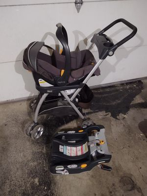 Car seat with car base, for Sale in Vancouver, WA
