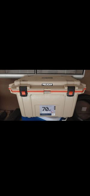 Pelican ice chest 70qt for Sale in Riverside, CA