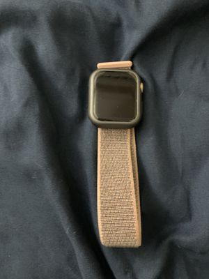 Apple watch series 4 rose gold 40mm for Sale in San Gabriel, CA