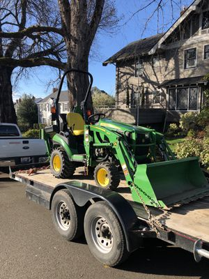 John deer 1025r tractor backhoe for Sale in Tacoma, WA
